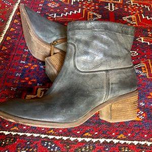 Donald J Pliner Blue Leather Booties